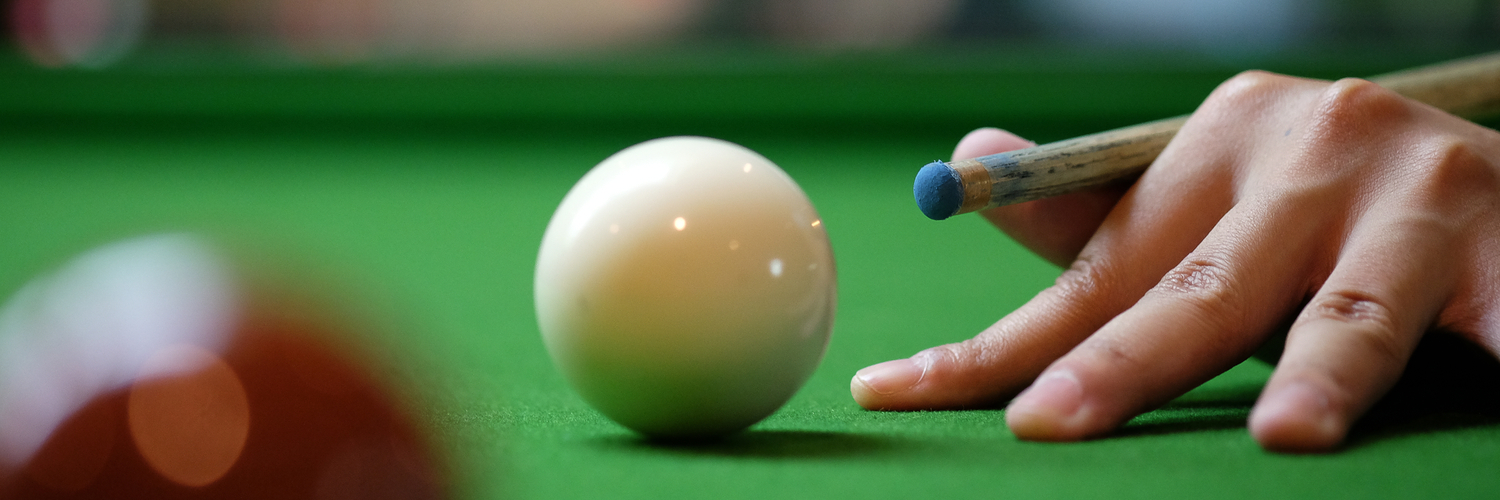 How to rest your  pool cue