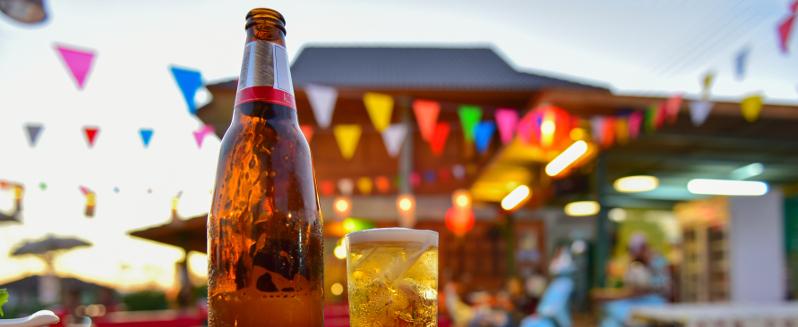 pub drinks in the sun